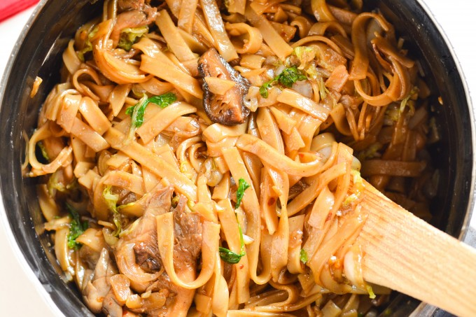 Rice Stick Noodles with Shiitake and Oyster Mushrooms - Cook Gourmet